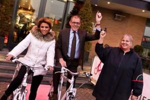 Burgemeester Piet Zoon en Leontien van Moorsel
